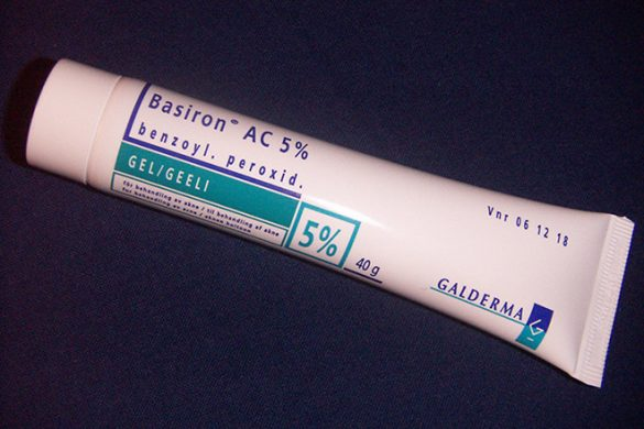 Benzoyl peroxide gel
