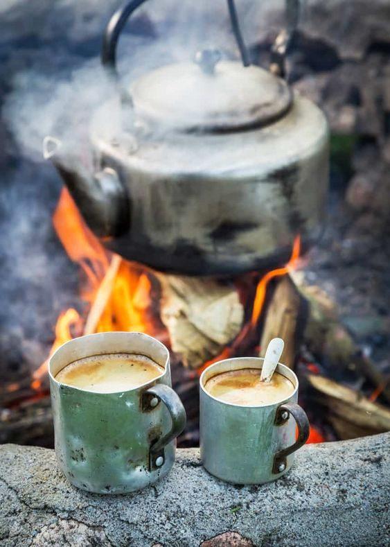 hinh anh coc cafe dep gian di va bep lua
