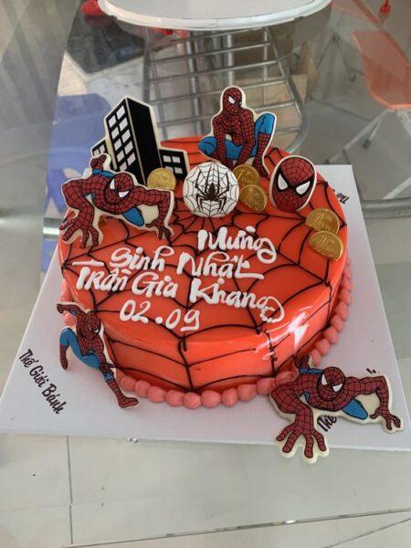 mẫu bánh sinh nhật siêu nhân người nhện cho bé trai