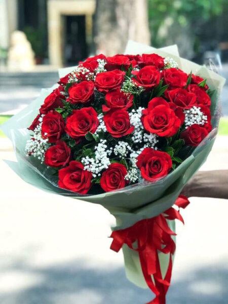 mẫu hoa kết từ hoa hồng đỏ cực đẹp
