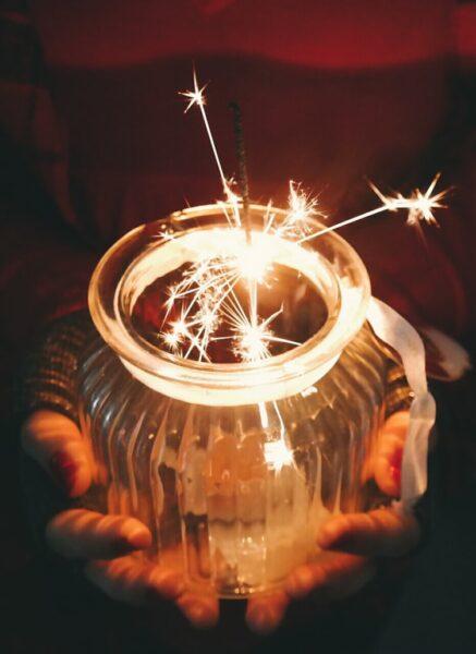 Hình ảnh pháo hoa trong lọ thủy tinh