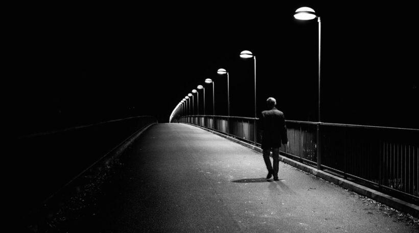 hình nền buồn mệt mỏi và cô đơn