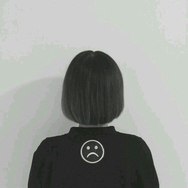 ảnh đại diện người giấu mặt cho nữ tóc ngắn