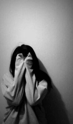 Avatar cho con gái buồn một mình