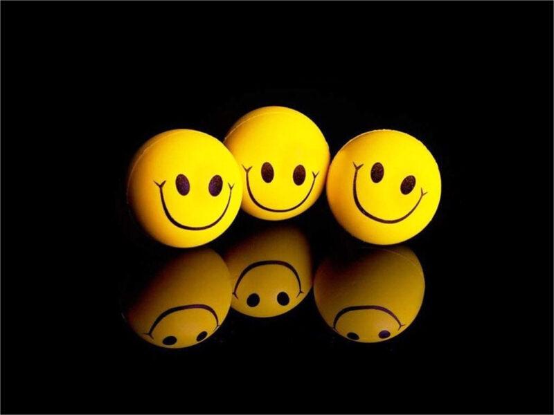 hình ảnh 3 khuôn mặt cười
