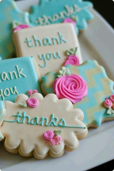 hình ảnh cảm ơn từ những chiếc bánh