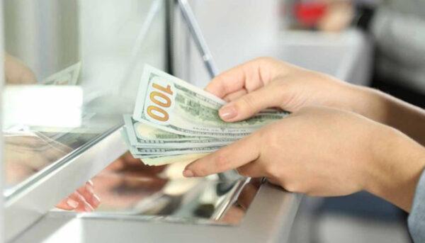 hình ảnh đếm tiền nhiều tiền