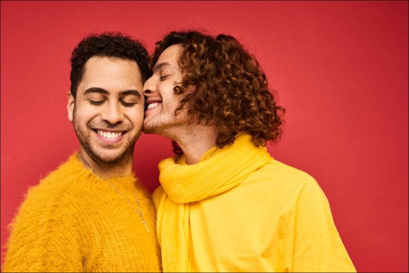 hình ảnh hôn nhau đẹp ủng hộ LGBT