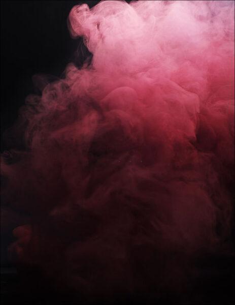 hình ảnh khói hồng rực rỡ