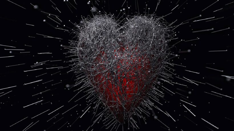 hình ảnh trái tim đau xót như vạn tiễn xuyên tâm