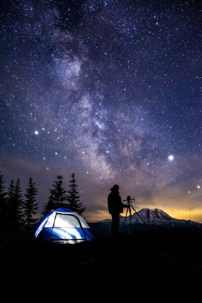 Hình ảnh trời đêm trên núi