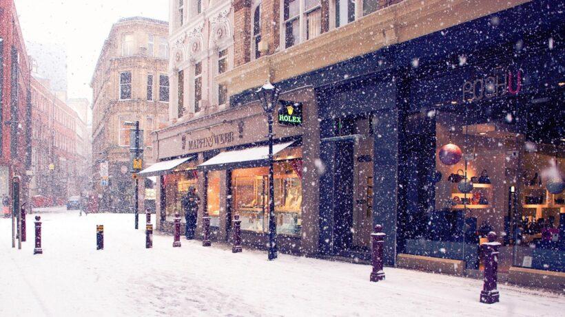 Hình ảnh tuyết rơi trên đường phố