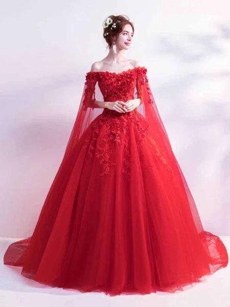 hình ảnh váy cưới đỏ may mắn