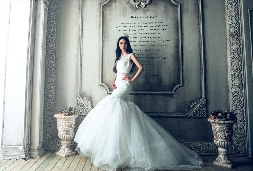 hình ảnh váy cưới đuôi cá màu trắng