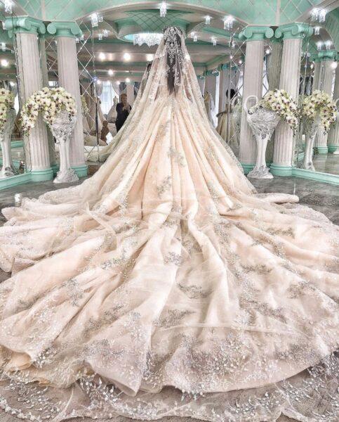 hình ảnh váy cưới đuôi dài đẹp nhất
