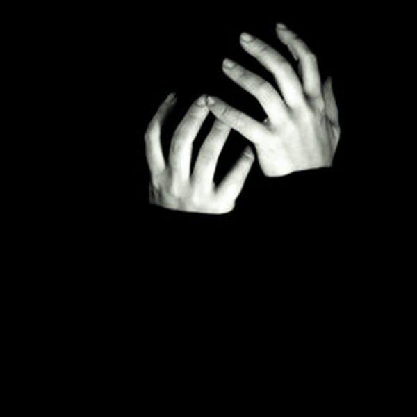 tổng hợp avatar đen trắng buồn
