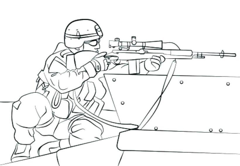 Tranh tô màu chú bộ đội đang ngắm súng để bắn