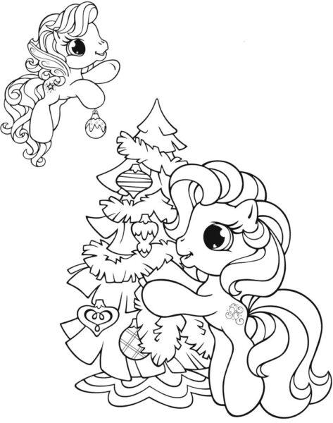 Tranh tô màu hai chú ngựa pony đang trang trí cây thông Noel