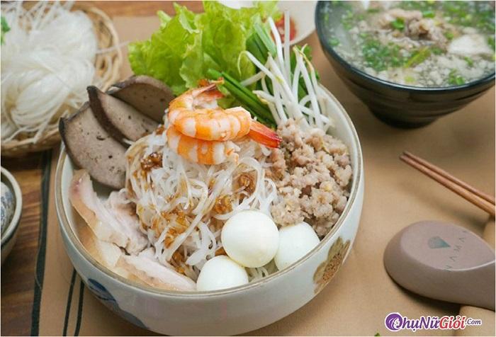 Cách nấu hủ tiếu Nam Vang ngon đậm đà