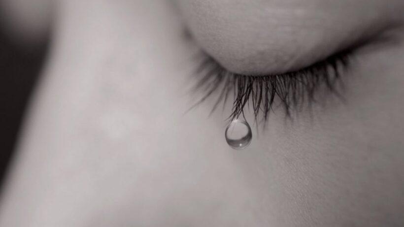 hình ảnh nước mắt rơi làm avatar