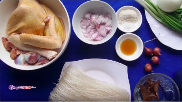 nguyên liệu nấu miến gà với nấm vị ngọt thanh hấp dẫn
