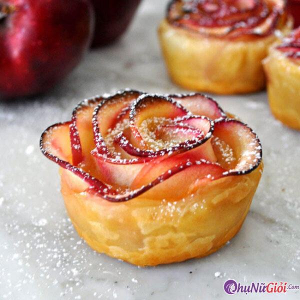 Hoàn thành món bánh táo hoa hồng