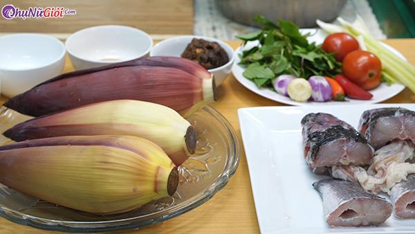 nguyên liệu làm hoa chuối nấu cá lóc