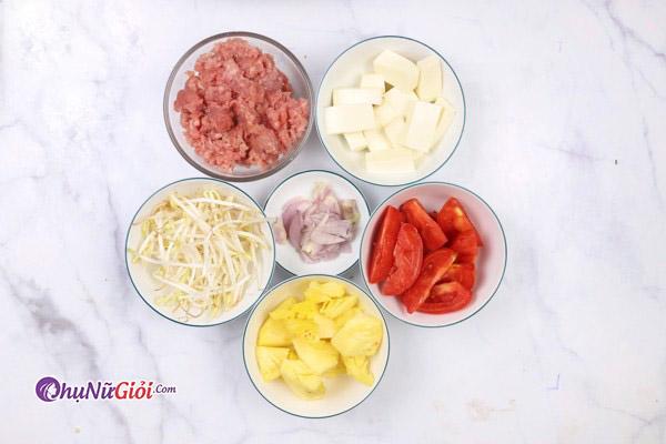 nguyên liệu nấu canh chua thịt băm với dứa