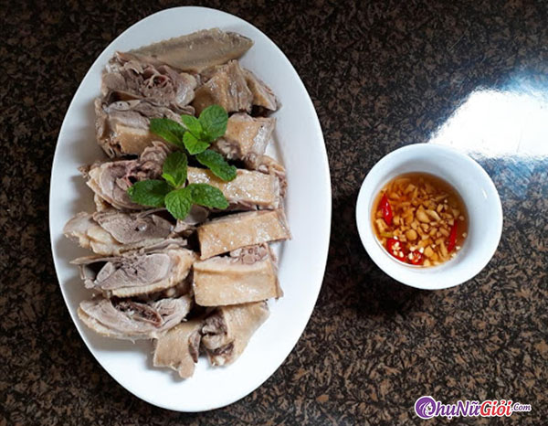 thưởng thức thịt vịt luộc