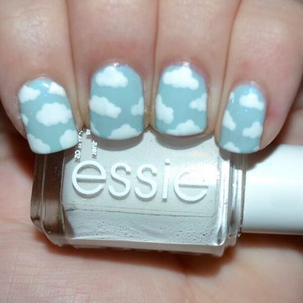 Các mẫu nail đám mây màu xanh năng động (11)