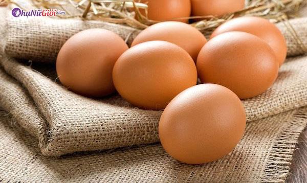 chuẩn bị trứng gà