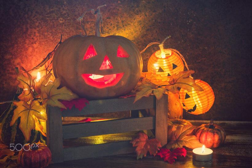 Hình ảnh halloween quả bí ngô và những đèn lồng