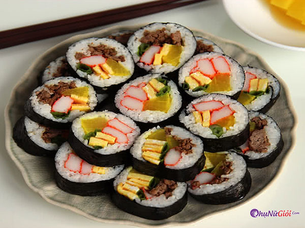 Kimbap kiểu truyền thống Hàn Quốc