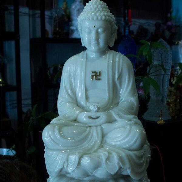 Hình ảnh tượng Phật A Di Đà bằng ngọc