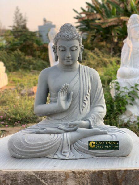 Hình ảnh tượng Phật Thích Ca Mâu Ni bằng thạch cao trắng